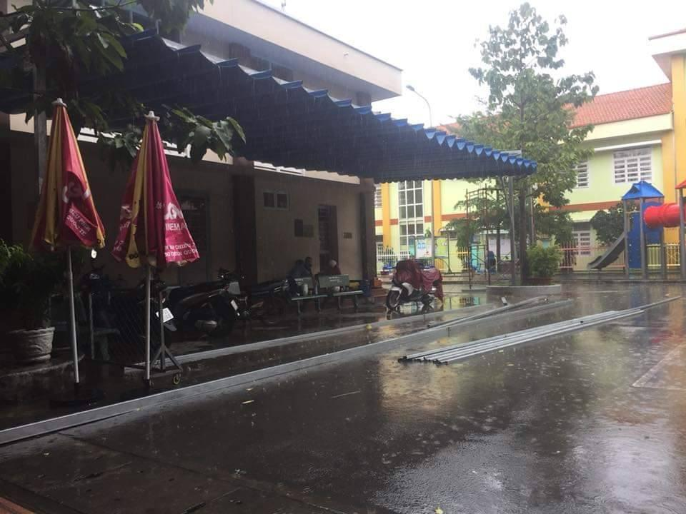 báo giá mái hiên di động, mái bạt che nắng mưa tự cuốn tại vĩnh cữu. giá lắp đặt trọn gói mái che di động tại vĩnh cữu