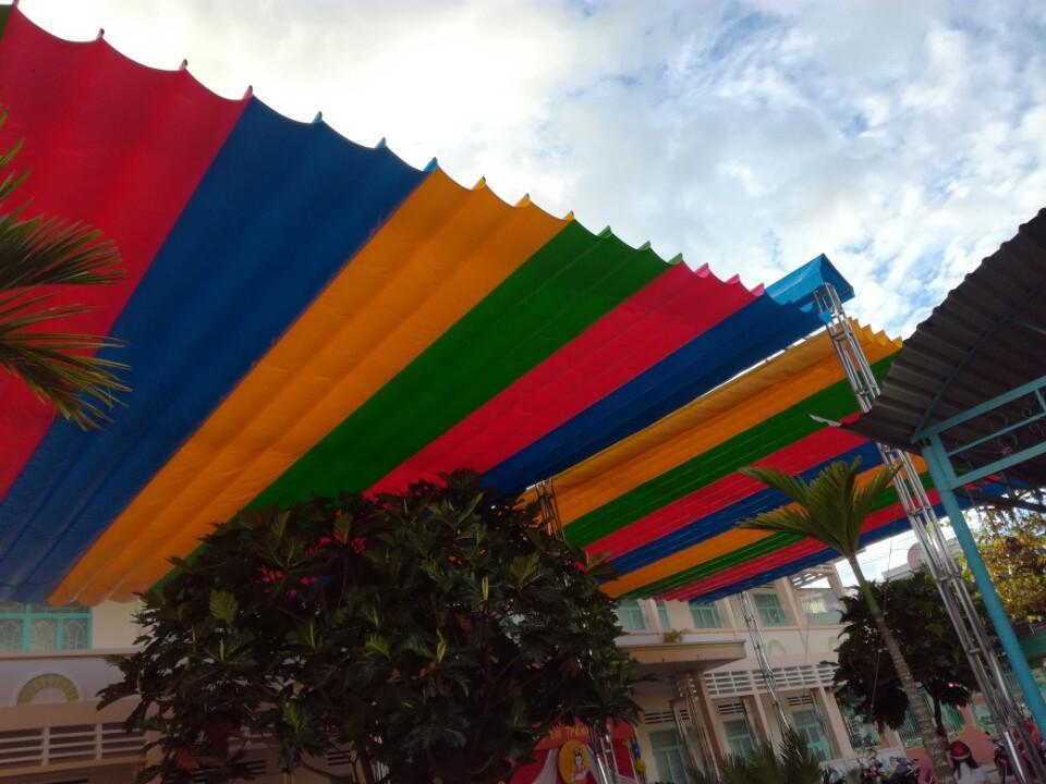 báo giá mái hiên di động, mái bạt che nắng mưa tự cuốn tại quận thủ đức. giá lắp đặt trọn gói mái che di động tại quận thủ đức