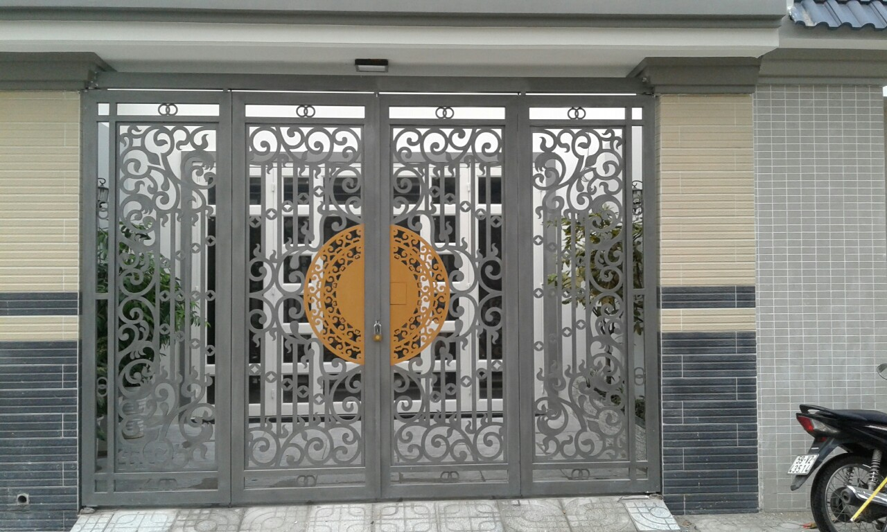 Thiết kế lắp đặt cửa sắt cổng sắt sơn tĩnh điện chống gỉ mẫu đẹp tại hà tĩnh