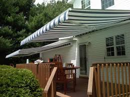 những mẫu mái hiên di động che sân trước nhà làm rạng rỡ ngôi nhà của bạn