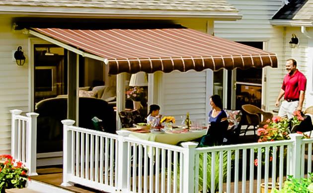 những mẫu mái hiên sử dụng che quán cafe thu hút mọi ánh nhìn khách hàng