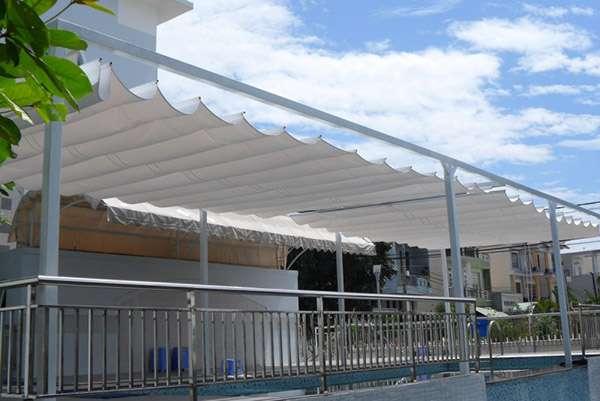 báo giá thiết kế lắp đặt mái che di động khu vui chơi, mái xếp bạt kéo lượn sóng khu vui chơi